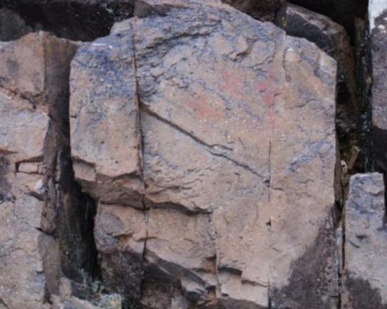 """""""中国最冷小镇""""呼中发现3幅距今约7000年岩画"""