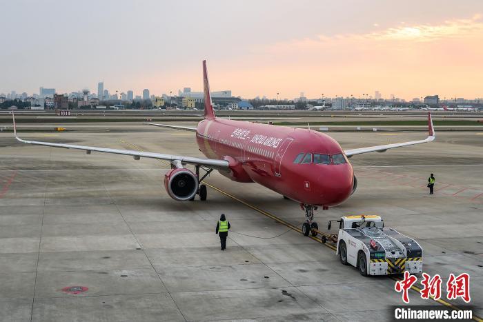 中国最大的民营全服务航空公司吉祥航空预计3月恢复运营航班超4600班