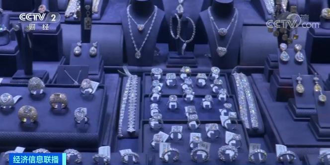 疫情冲击美珠宝行业:蒂芙尼销售额腰斩 西格内特将关店150家