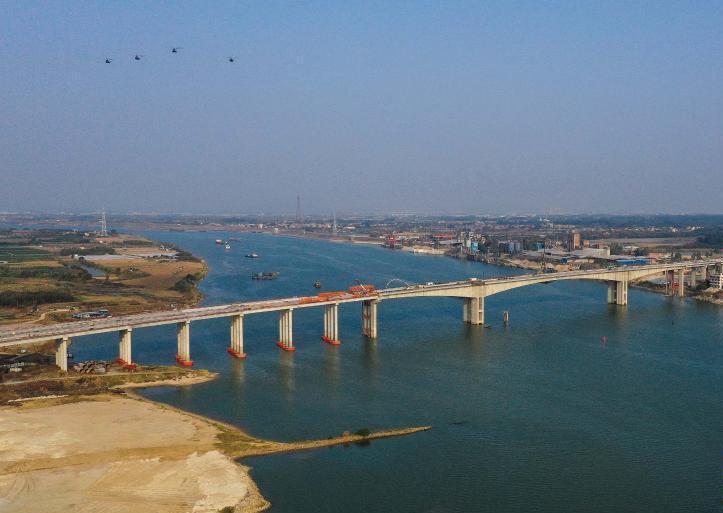 广佛肇高速北江特大桥合龙 再添一条交通大动脉